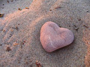 Heart-rock-on-the-sandy-beach-of-Centre-Island-Toronto-Islands